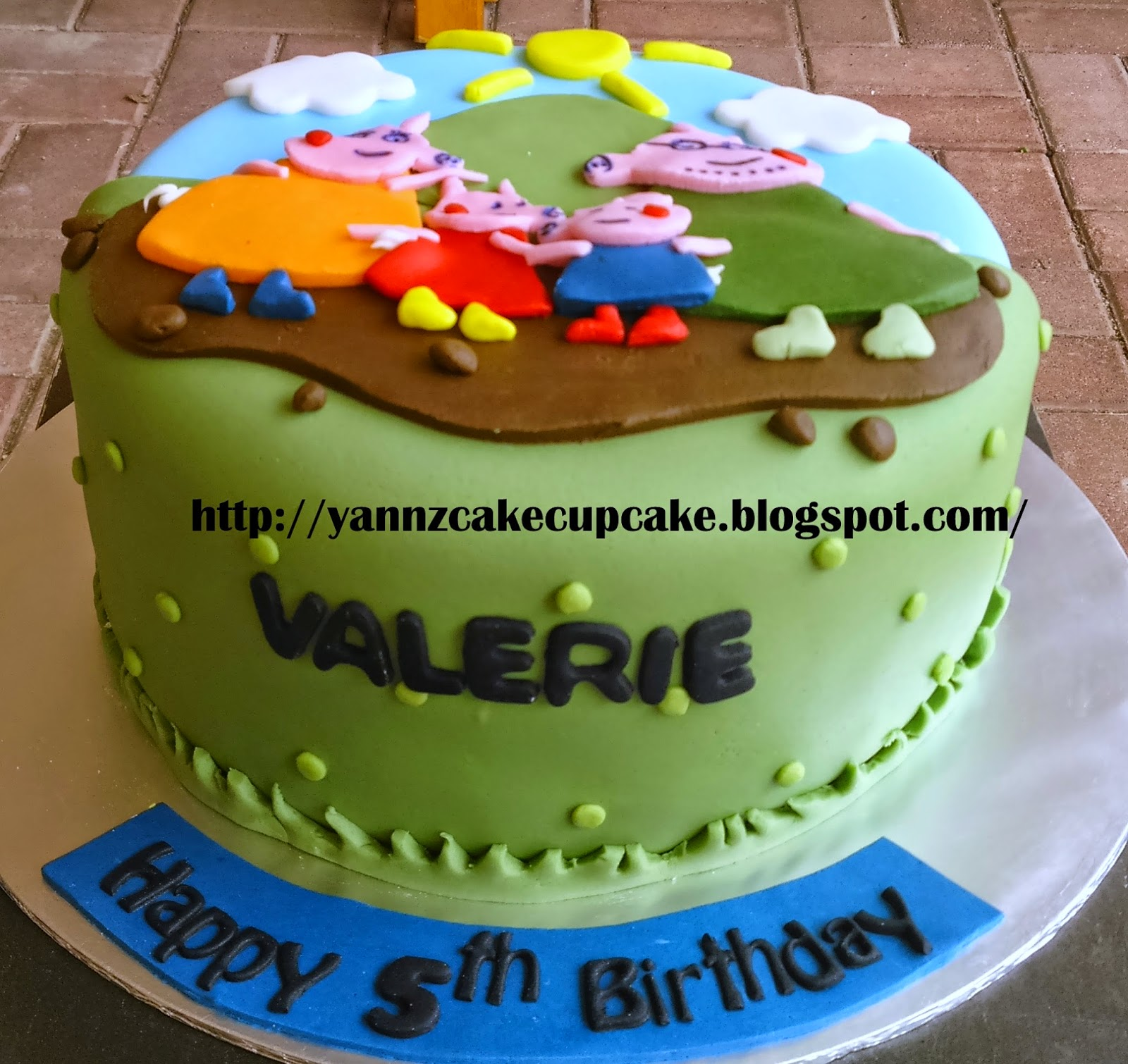Groovy Peppa Pigs For Valerie Yannzcakecupcakecom Funny Birthday Cards Online Necthendildamsfinfo
