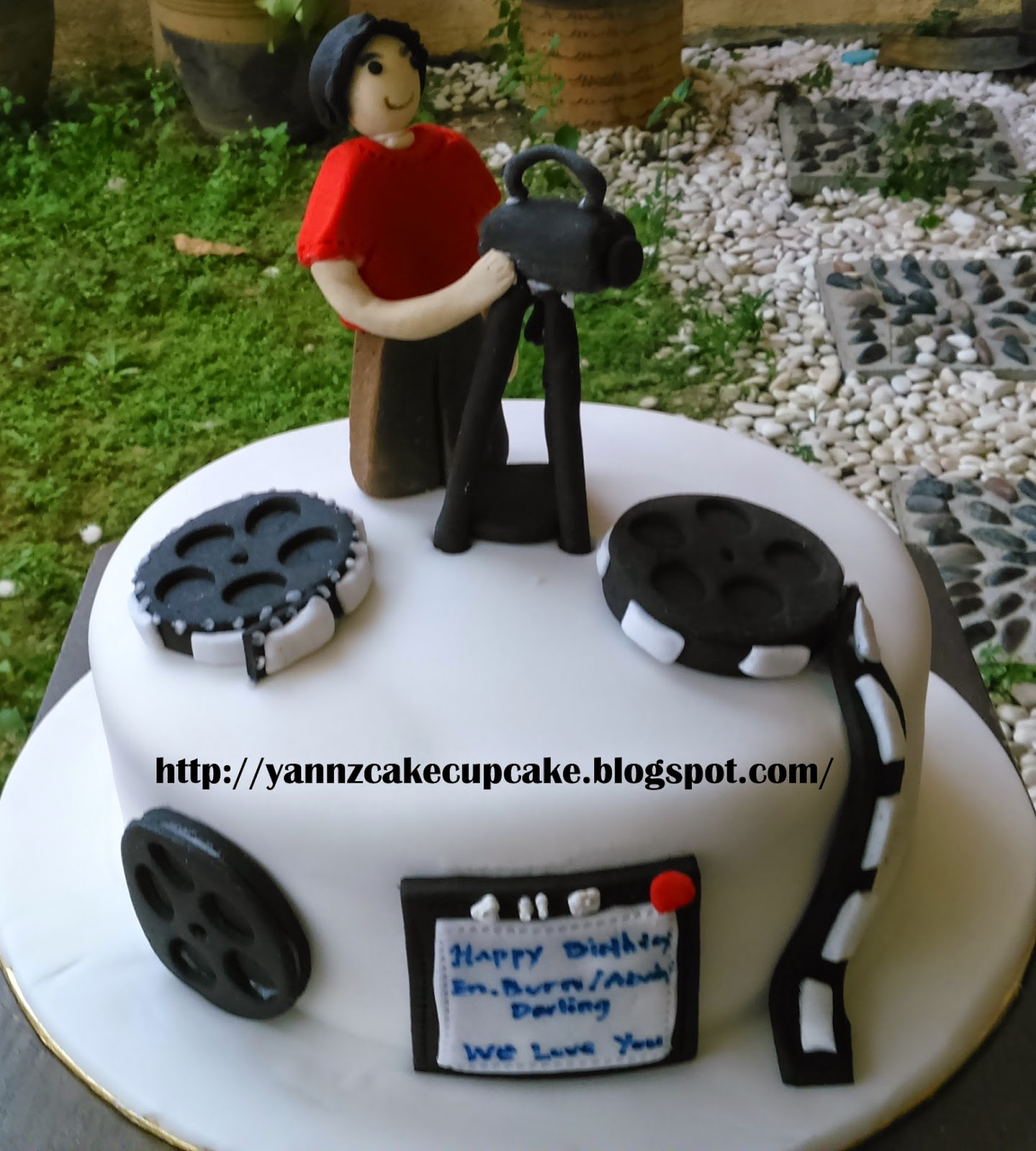 Pleasant Broadcasting Cake In Action Yannzcakecupcakecom Funny Birthday Cards Online Barepcheapnameinfo