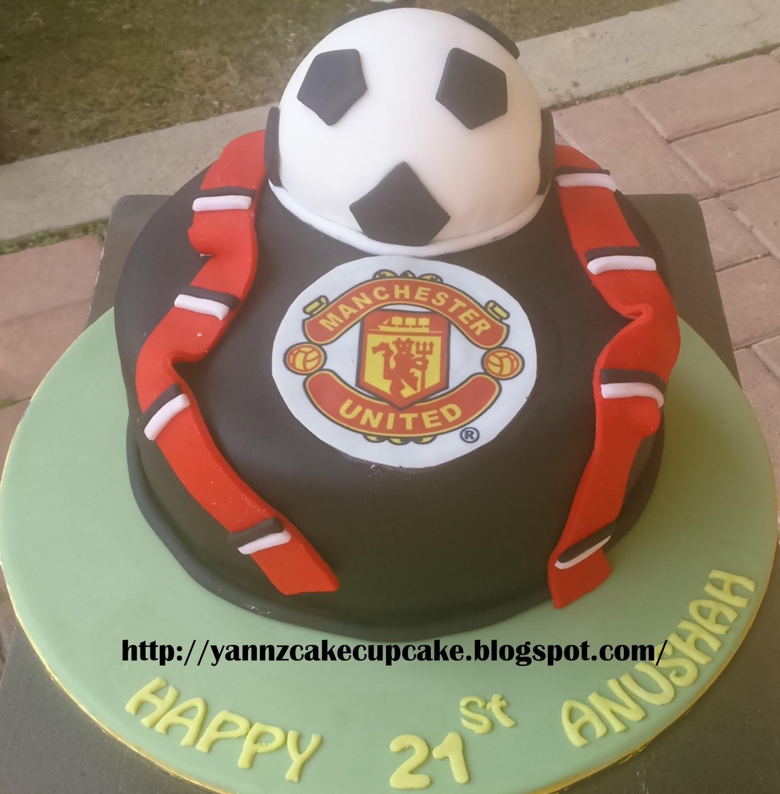 11+ Manchester United Cake