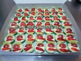 Fruit tart for Teacher Aqilah SMKSJ